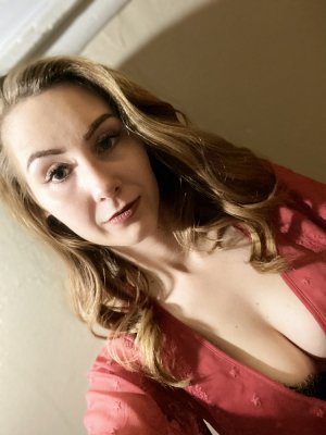 Marie-maud happy ending massage, live escort