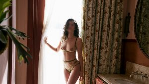 Zyna tantra massage in Virginia Beach VA & escort