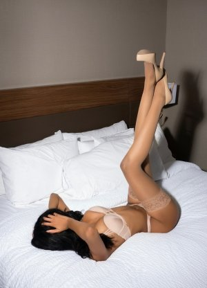 Djamilla erotic massage & live escorts