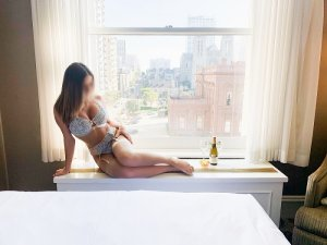 Natasa thai massage in Springfield Illinois and escort